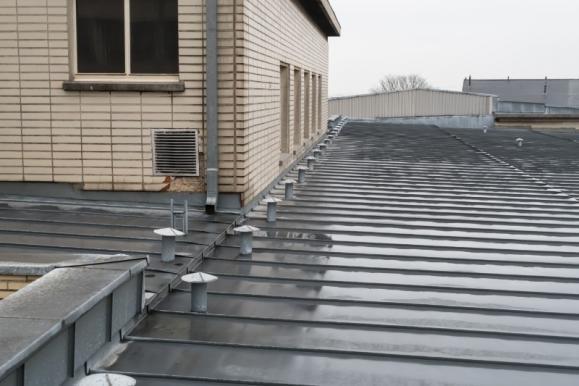 pose toit terrasse en zinc